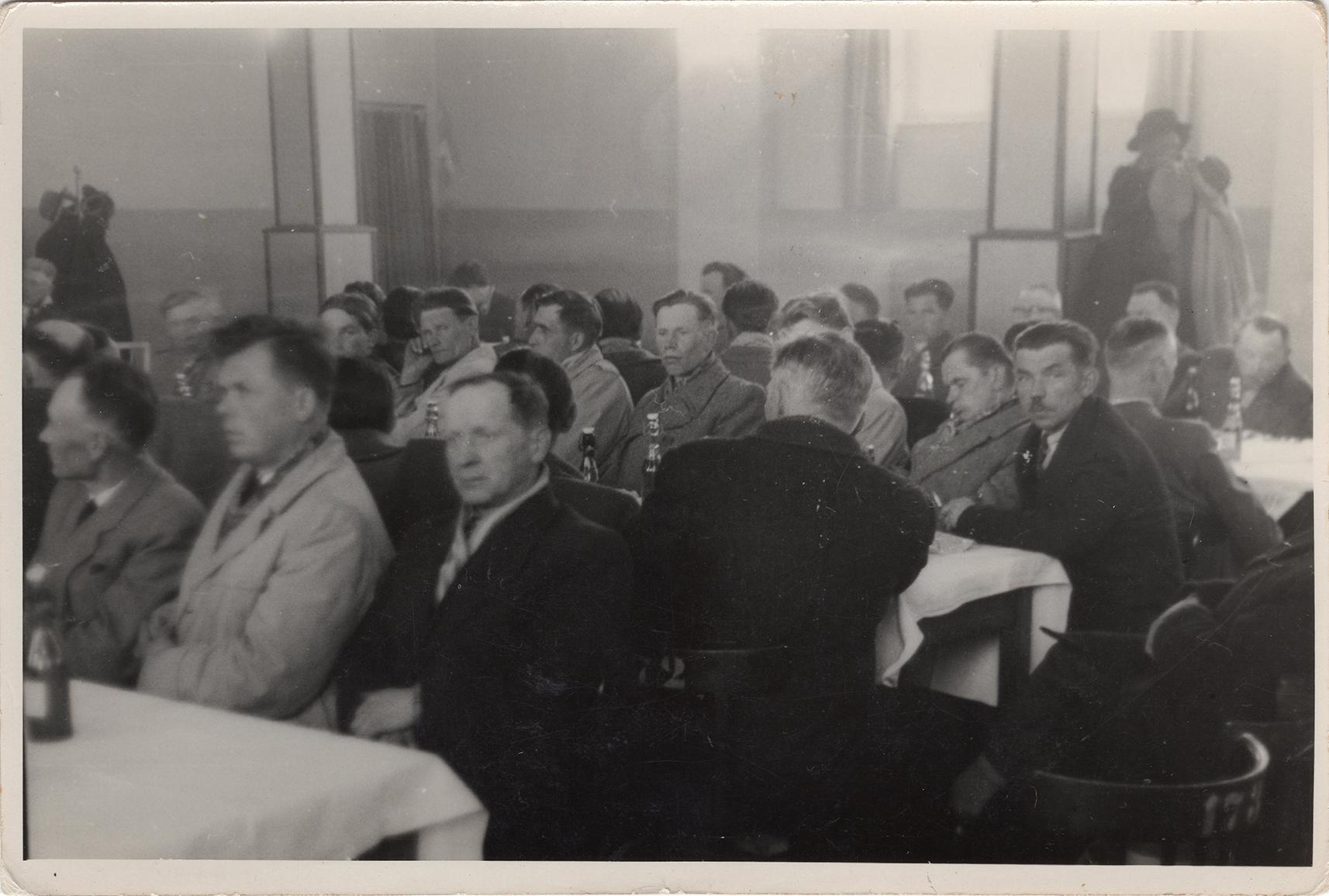 Fotografie ze spotkania SOP pracowników DZCH lata 60-te XX wieku (1)