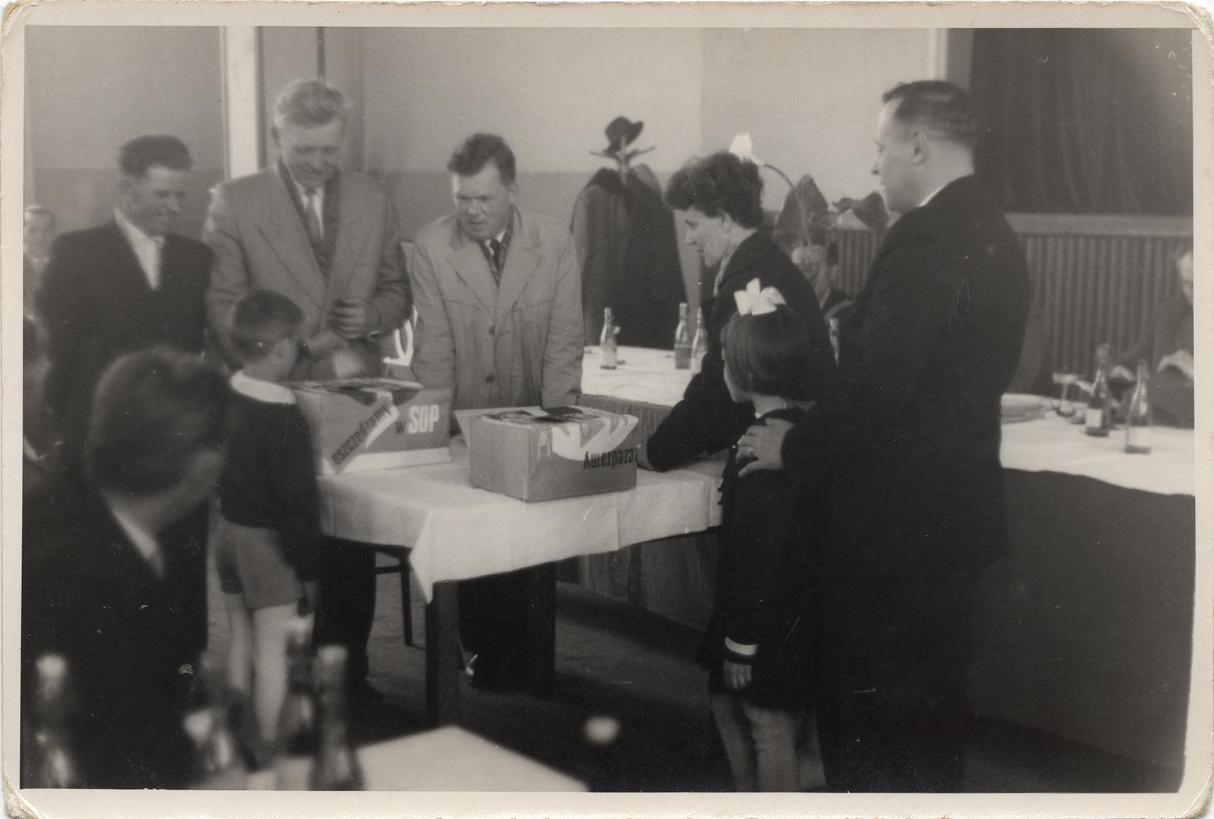 Fotografie ze spotkania SOP pracowników DZCH lata 60-te XX wieku (2)